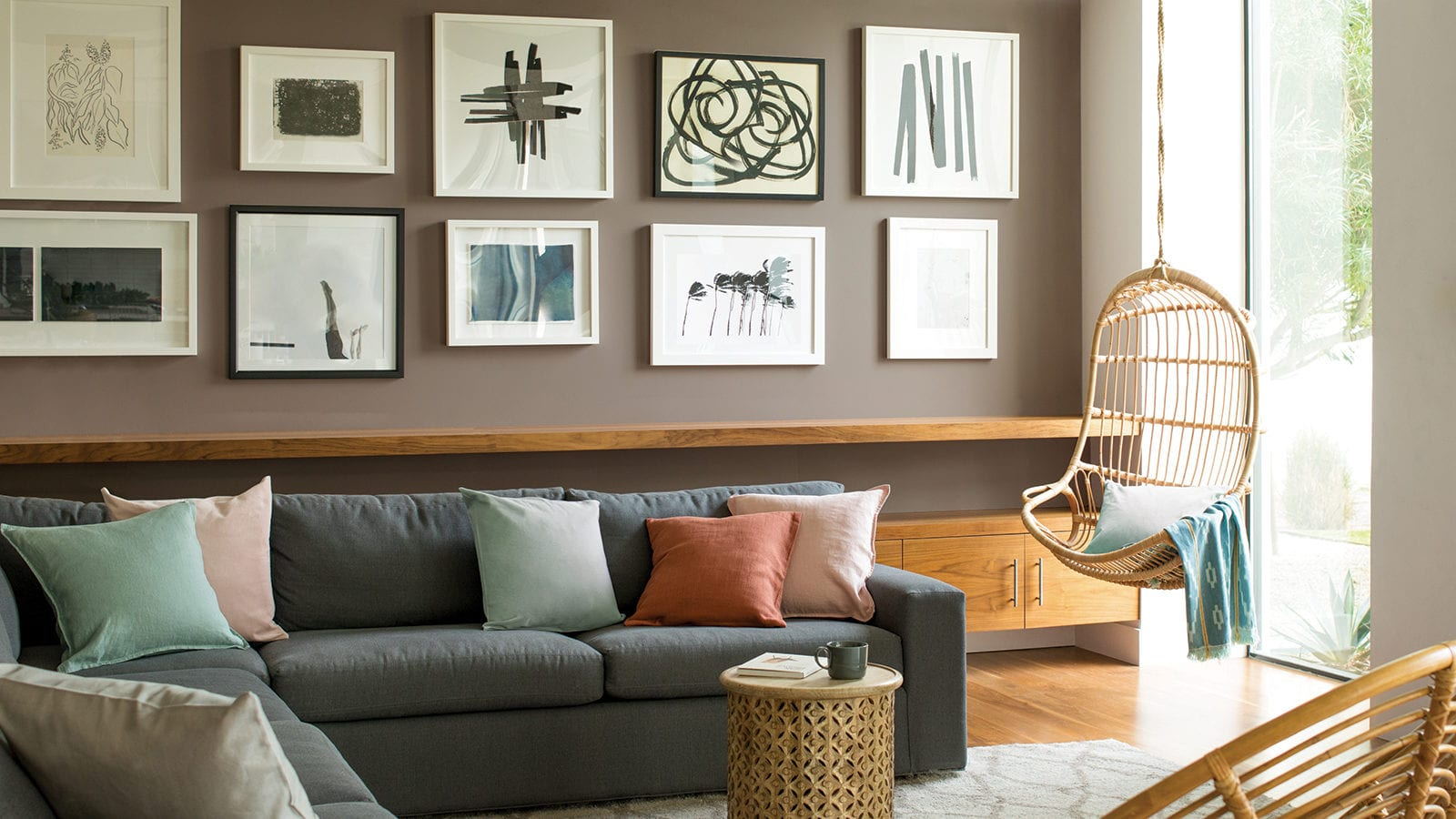 Benjamin Moore taupe living room